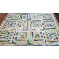 Háčkovaná deka zo špirálových štvorcov