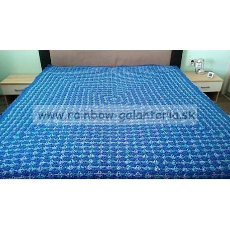 Háčkovaná deka s mušličkovým vzorom - modrá